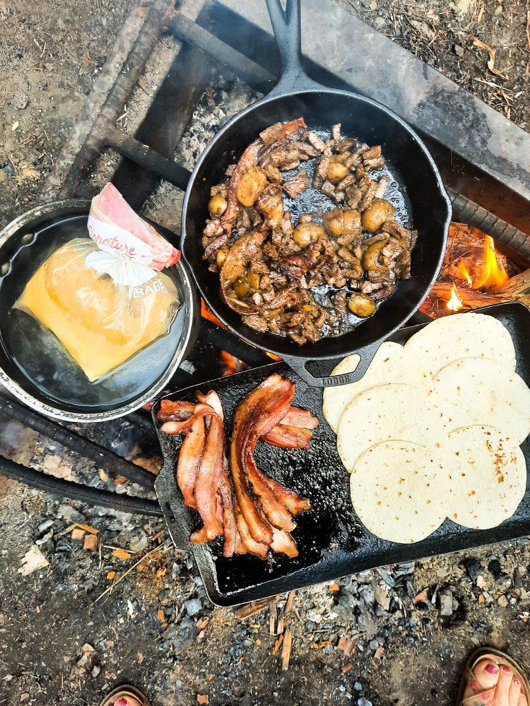 Ziplock campfire scrambled eggs